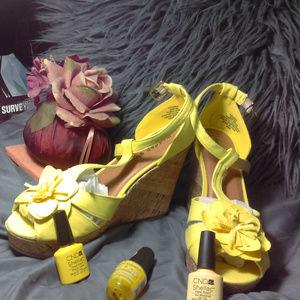 MADDEN GIRL  Yellow Fabric Cork Wedge Size 9M